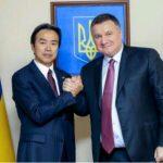 Міністр МВД України Арсен Аваков та Посол КНР Ду Вей домовились про співпрацю у підготовців Нацгвардії України