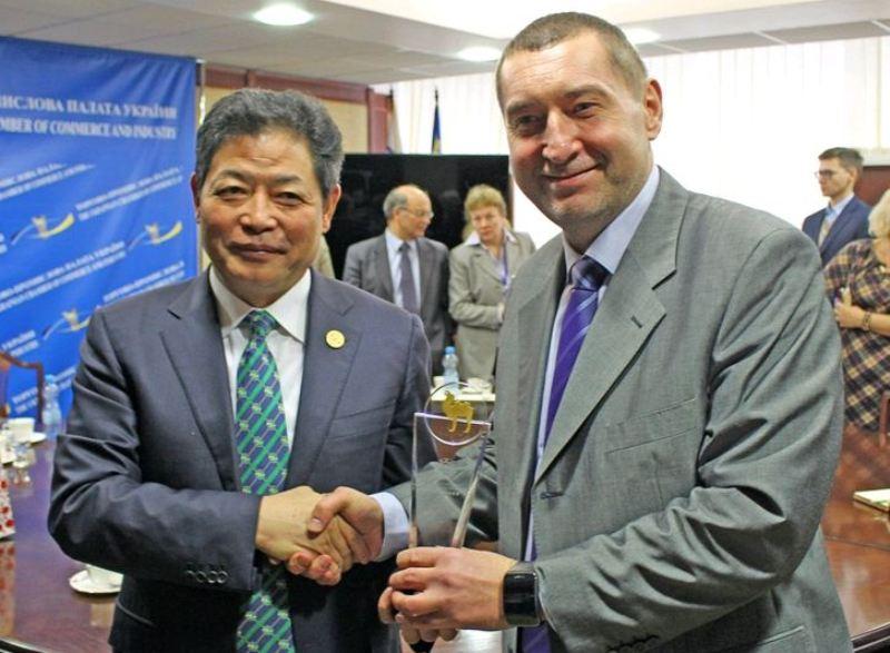 Китай хочет инвестировать в Украину, участвовать в индустриальных парках — SRCIC