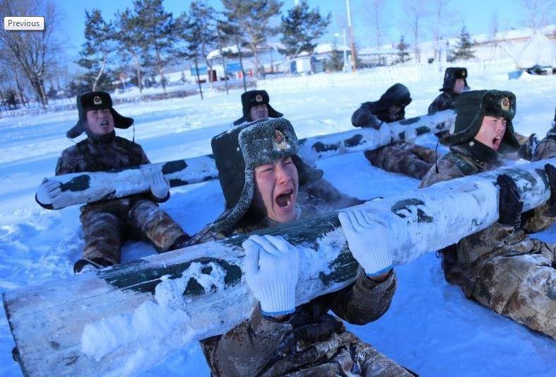 Китайская армия не боится снега и мороза- это их родная стихия
