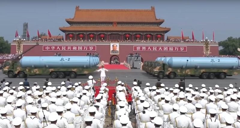 Китайські МБР JL-2 на параді в КНР