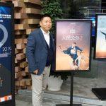 Рекламний плакат українського фільму Слуга народу 2 у Китаї