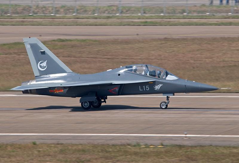 Китай випустив надзвуковий літак з українським двигуном. А Україна?