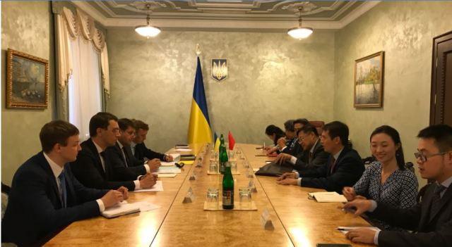 Володимир Кістіон зустрівся генеральним директором департаменту іноземного капіталу та закордонних інвестицій Державного Комітету розвитку і реформ КНР Ван Джянджун