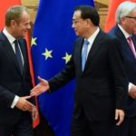 Дональд Туск, Лі Кецян, Жан Клод Юнкер на 20-му саміті ЄС-КНР