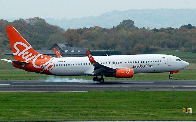 самолёт компании SkyUp Airline Boeing 737-800 UR-SQB, Украина-Китай