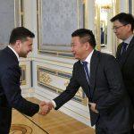 Президент України Зеленський і представник КНР в офісі президента, червень 2019