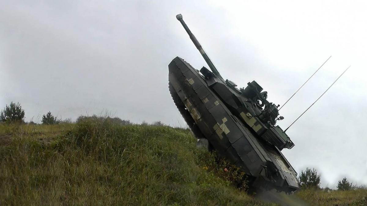 Як китайці трансформували українські танки у китайські, які блокували український танковий експорт